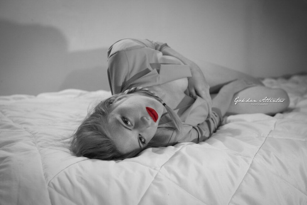 Charlotte Mequignon I love you all in red with Gokhan Altintas Photography